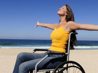 ragazza-disabile-al-mare-11